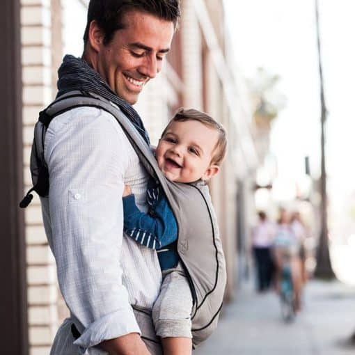 Ergobaby Urban Chic Carrier Graphite lifestyle 2