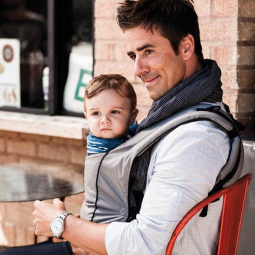 Ergobaby Urban Chic Carrier Graphite lifestyle 3